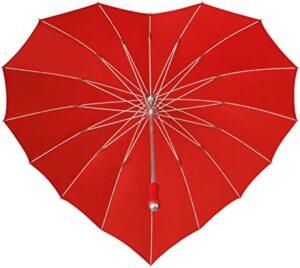 paraguas rojo en forma de corazon