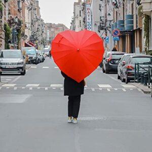 paraguas rojo hermoso