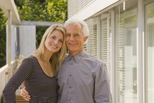 ¿Hay problema en la diferencia de edad entre pareja?
